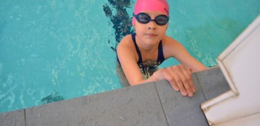 Соревнования в  бассейне Петроградец