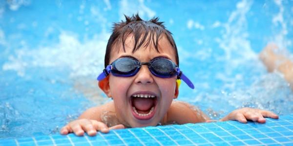 Что необходимо, если ребенок идет в бассейн